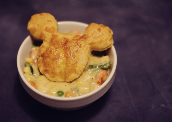 Disney themed Mickey shaped pot pie for a fun dinner. See the recipe at http://everclevermom.com/2014/01/mickey-mouse-puff-pastry-sweet-and-savory-variations/