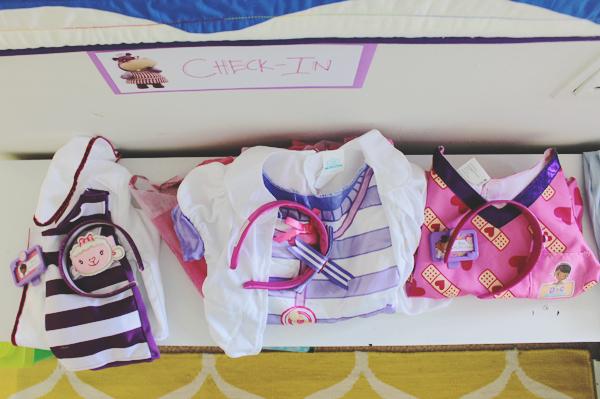 Birthday party dress up station #JuniorCelebrates #CollectiveBias #shop