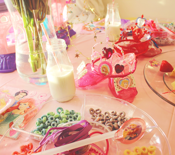 Decorations for Disney princess party #DisneyBeauties #shop