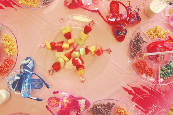 Disney princess party table #DisneyBeauties #shop