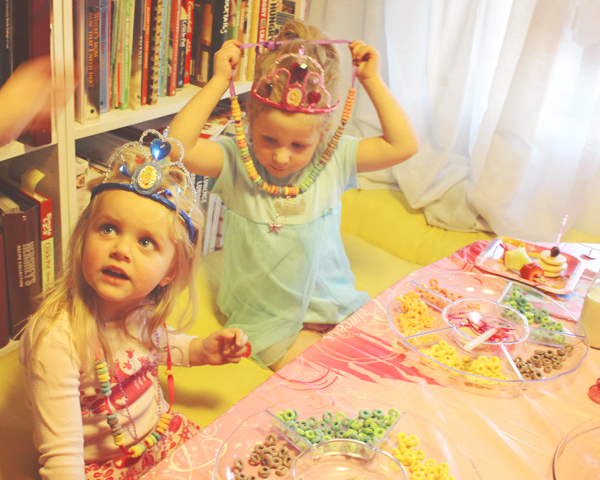 Preschool party activity #DisneyBeauties #shop